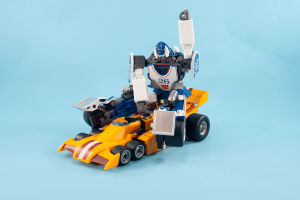 TFM Revolt and MMC Sphinx - Dragstrip in alt modes with Mirage riding