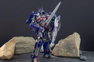 Unique Toys Challenger – Movie Optimus Prime